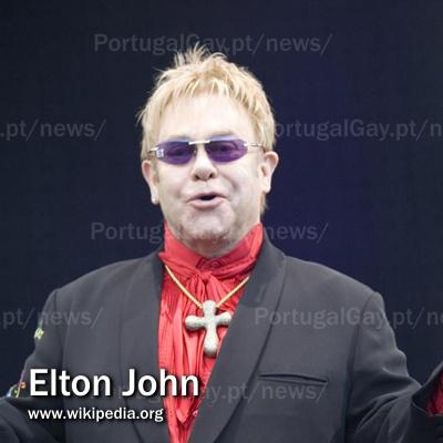 EUA: Elton John arrasa com oponentes de igualdade no casamento