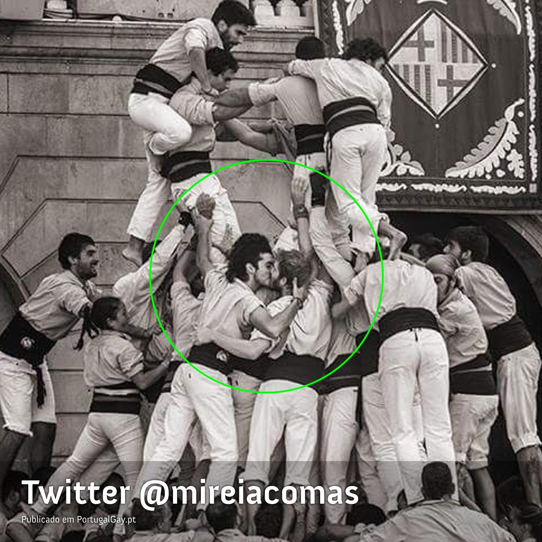 ESPANHA: Foto de beijo gay torna-se viral